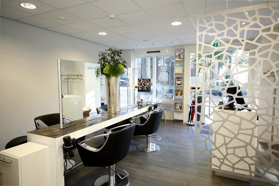 De salon in zevenaar broekhuizen design for Kappersinterieur